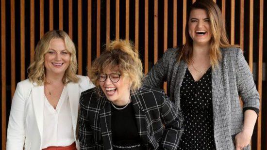Los Angeles Times Interview: Natasha Lyonne, Amy Poehler and Leslye Headland talk 'Russian Doll'