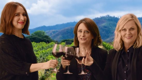 (Video) Amy Poehler and the Cast Visit Wine Country
