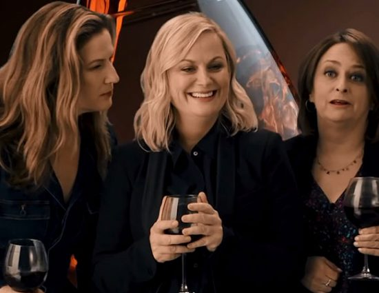 (Video) The 'Wine Country' Cast Passes the Sniff Test