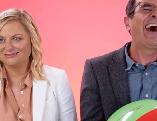 (Video) Amy Poehler and Ty Burrell Play Ball