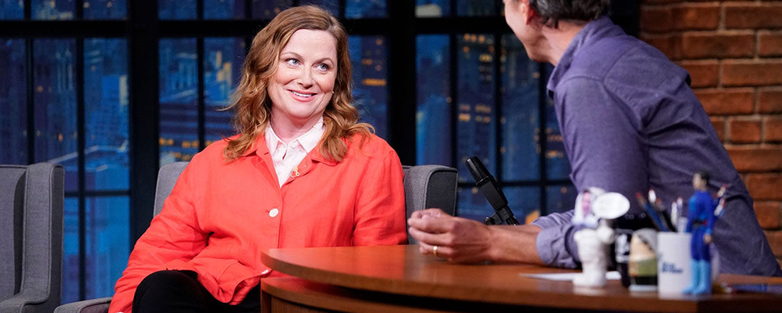 Amy Poehler makes surprise appearance on  Late Night with Seth Meyers